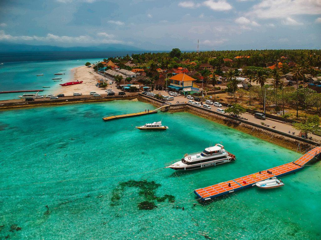 """To je """"pristanišče"""" v Nusa Penidi. Korale, sonce in smaragdna voda naredijo vtis na vsakega."""